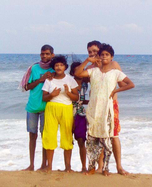 shuktara - Sunil, Muniya, Lali, Pappu, Tamina in Puri