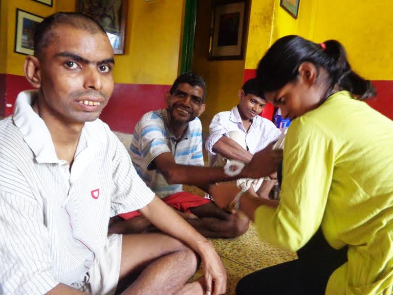 Rakhi at shuktara - Anna, Sunil, Ramesh & Lali