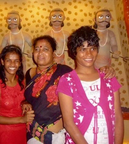2015 Durga Puja Lali with Minudi and Tamina
