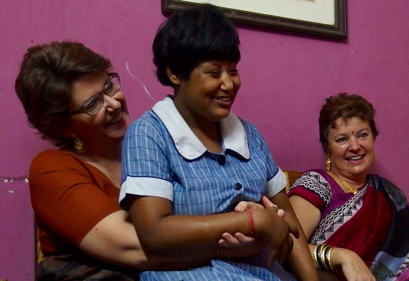 2015 Kali Puja - shuktara Lula Bari  - Louise, Muniya and Christi