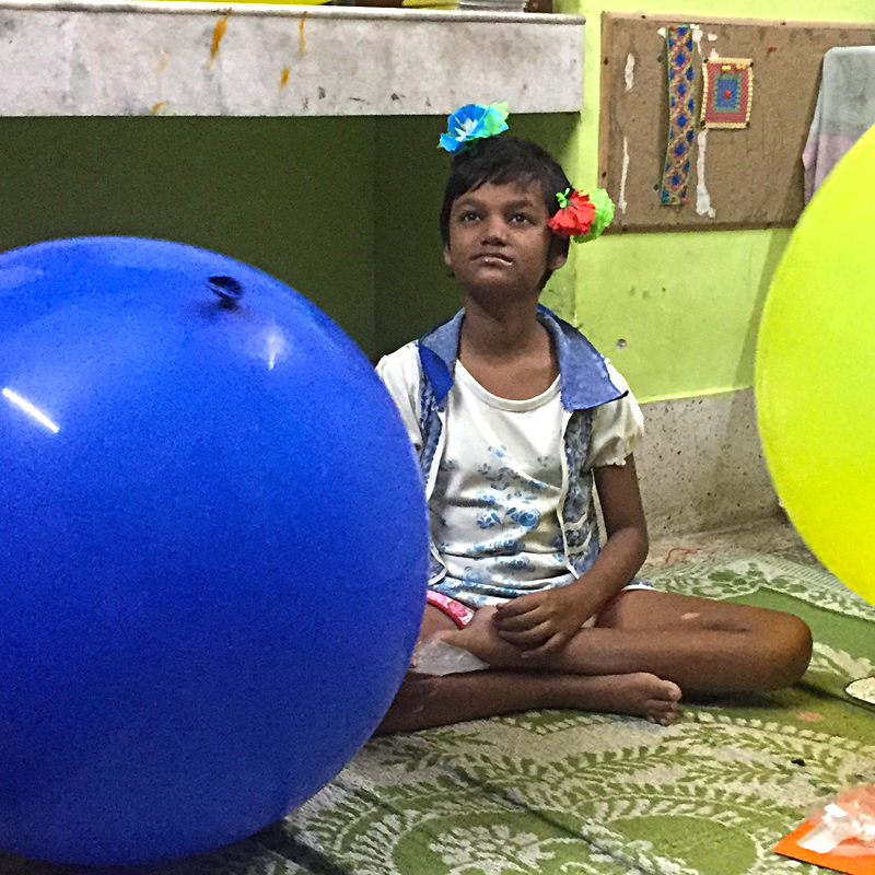 shuktara - 2017 October - Puja with the giant balloons