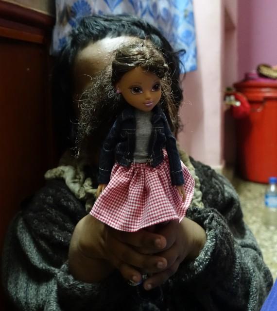 shuktara - Moni with her doll Fenna