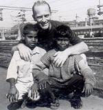 shuktara - 1999 David meets Bapi at Howrah Station