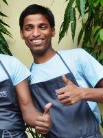 shuktara 2013 - Vijay at Shuktara Cakes