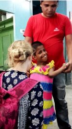 shuktara May 2016 - Jacinta with Pappu supporting Guria