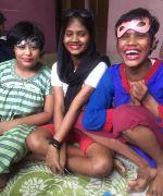 shuktara 2016 February - Muniya, Ipshita and Tamina playing dress-up with Sunnie