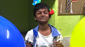 shuktara - 2017 October - Puja and the giant balloons