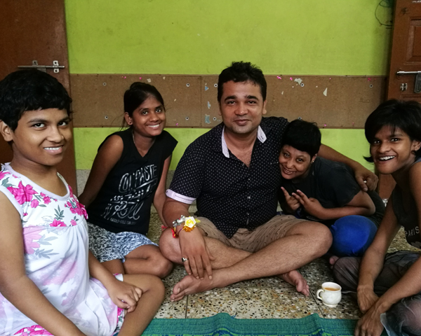 shuktara home for girls with disabilities - Pappu and the girls at Lula Bari